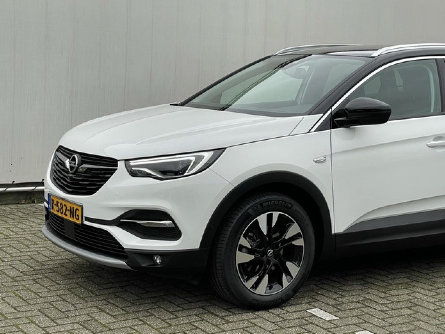 Opel-Grandland X-25