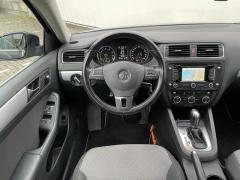 Volkswagen-Jetta-7