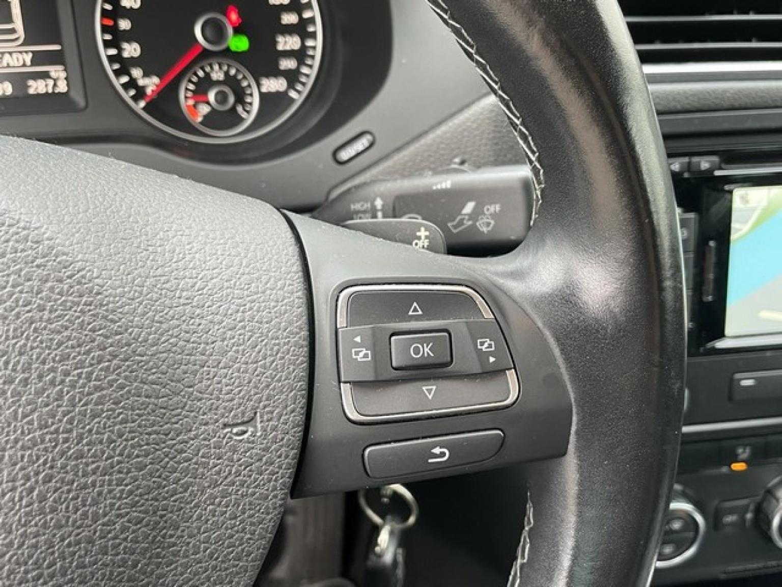 Volkswagen-Jetta-18