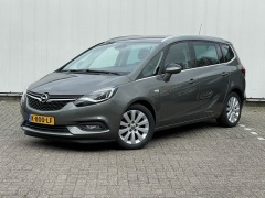 Opel-Zafira-5