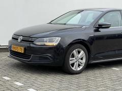 Volkswagen-Jetta-19